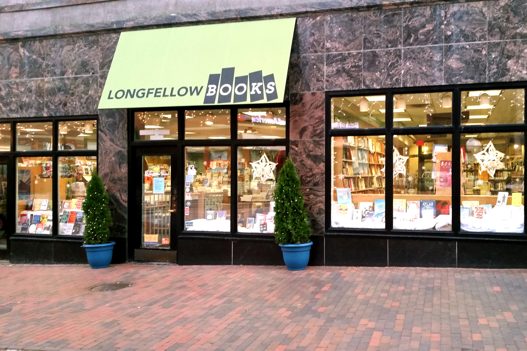 Longfello Books in Maine